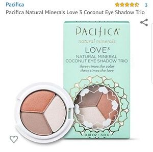 Pacifica Natural Minerals Love3 Coconut Eye Shadow